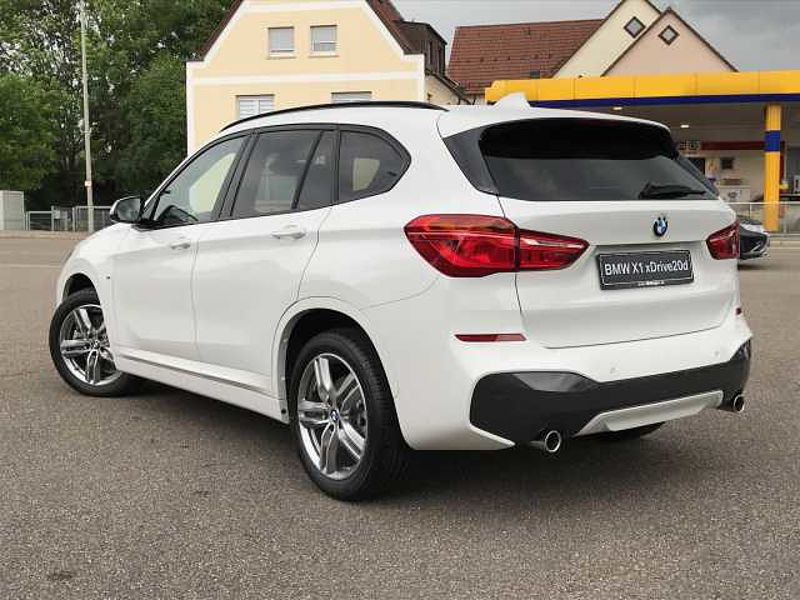 bmw x1 xdrive20d m sportpaket navi led xenon klima. Black Bedroom Furniture Sets. Home Design Ideas